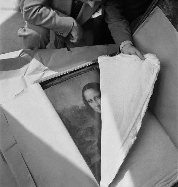 2. La Mona Lisa llegando al Louvre luego de la II Guerra Mundial.