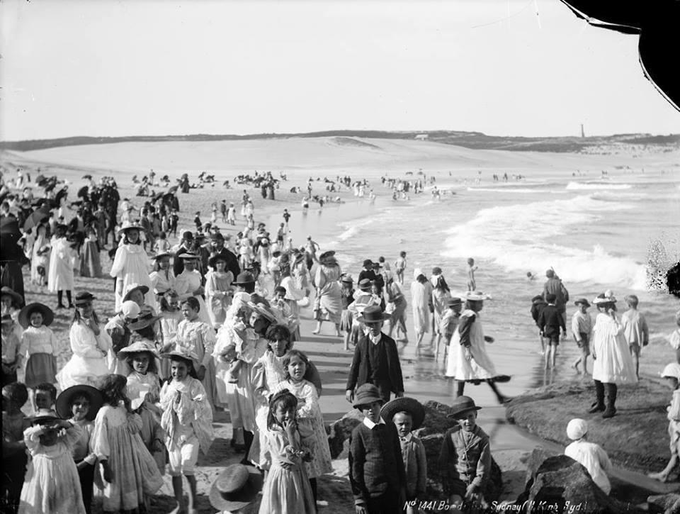 A beach of Australia 1900.