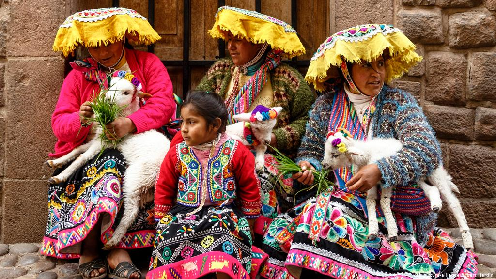 Trajes típicos Manifestaciones culturales América Latina