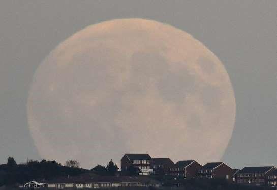 Imágenes de la Superluna del Eclipse lunar 27 septiembre 2015