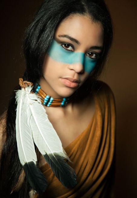 Mujer bella indígena